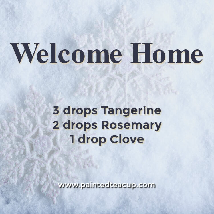 Welcome Home Essential Oil Diffuser Recipe for the Holidays. A blend made with tangerine, roasemary and clove essential oils